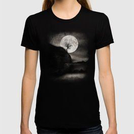 The Moon and the Tree.. T-shirt