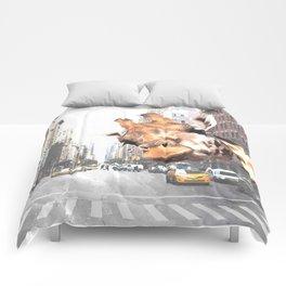 Selfie Giraffe in New York Comforters