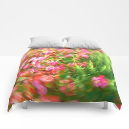 Flowers in Circular Motion Comforters