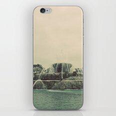 Buckingham Fountain Chicago iPhone & iPod Skin